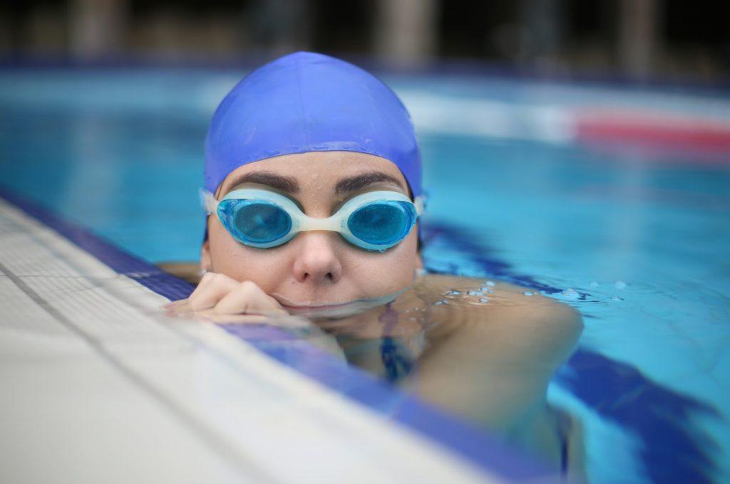 Mơ thấy bơi