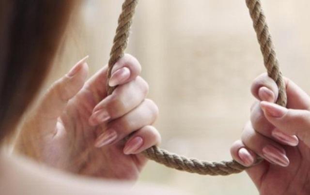 Nằm mơ thấy vợ chết do tự tử