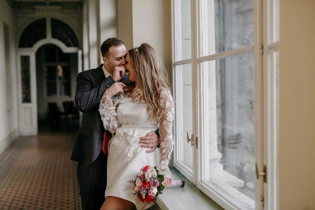 Mơ lấy vợ là điềm gì và nên đánh con gì để anh em trúng lớn?