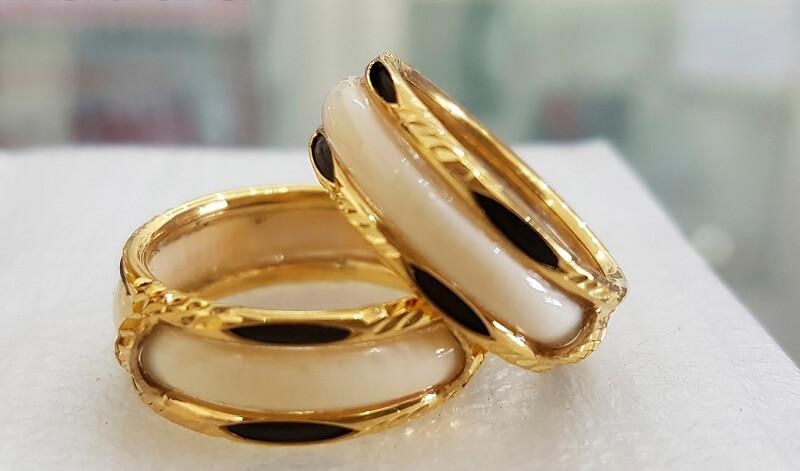Mơ thấy đeo nhẫn vàng có ý nghĩa gì?