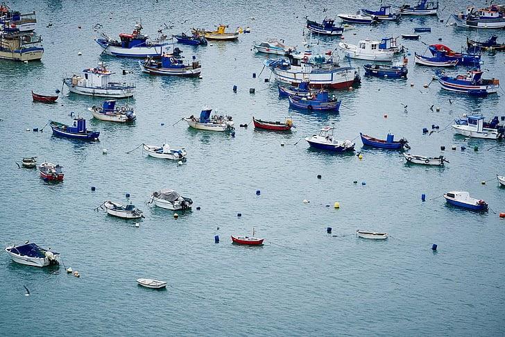 Mơ thấy đi thuyền trên sông