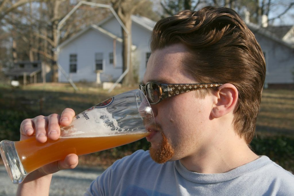 Mơ thấy uống bia